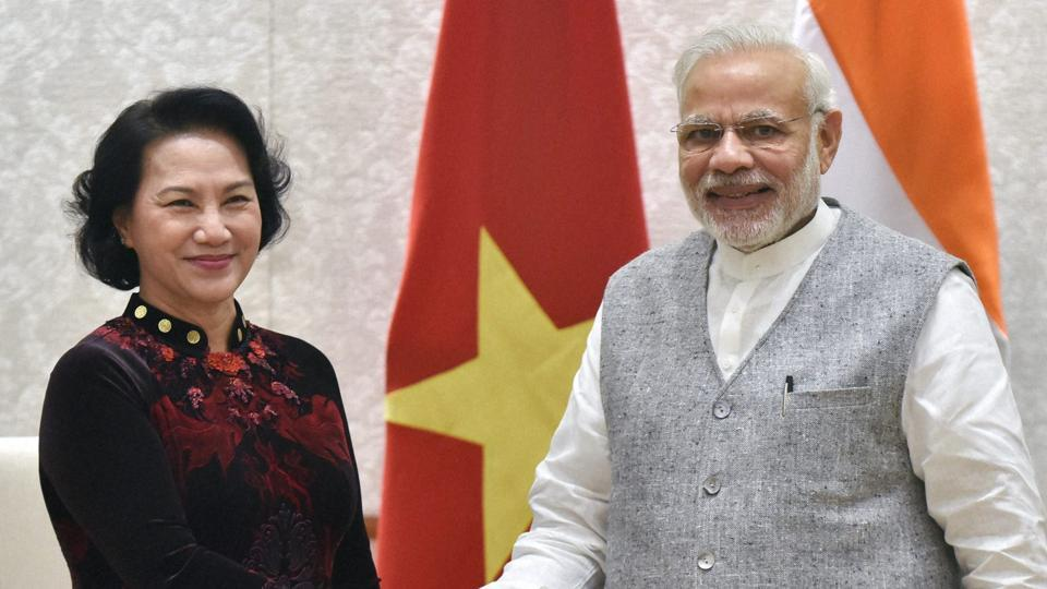 Prime Minister Narendra Modi (R) with President of the national assembly of Vietnam Nguyen Thi Kim Ngan at a meeting in New Delhi in December, 2016.