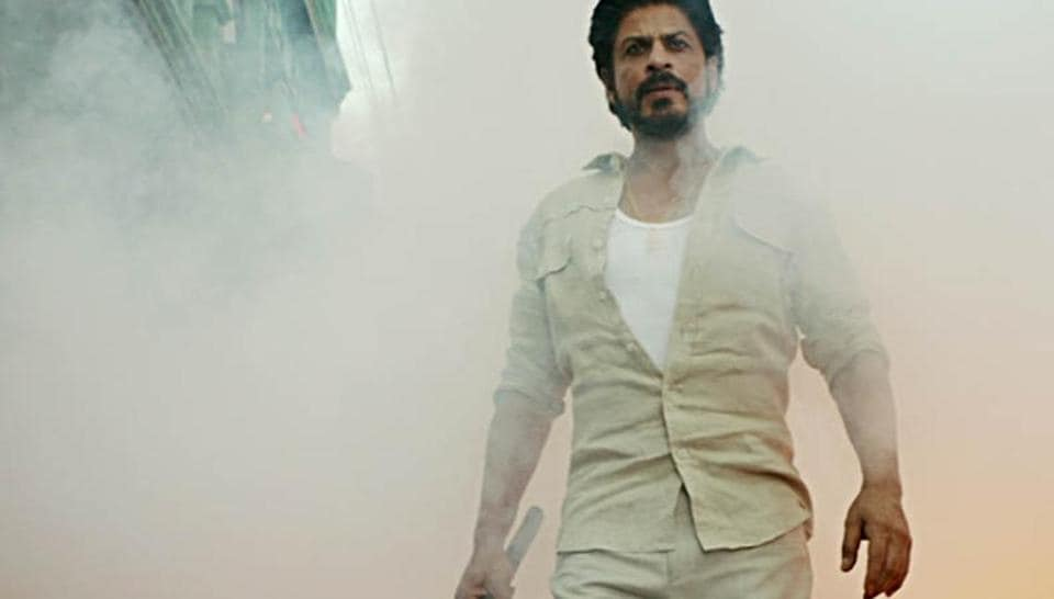 Shah Rukh Khan is playing a bootlegger in Raees.