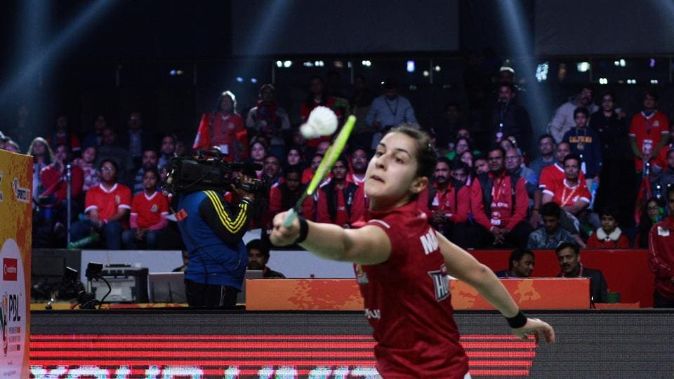 Carolina Marin produced a magnificent display to help Hyderabad Hunters into the semifinal of the Premier Badminton League.