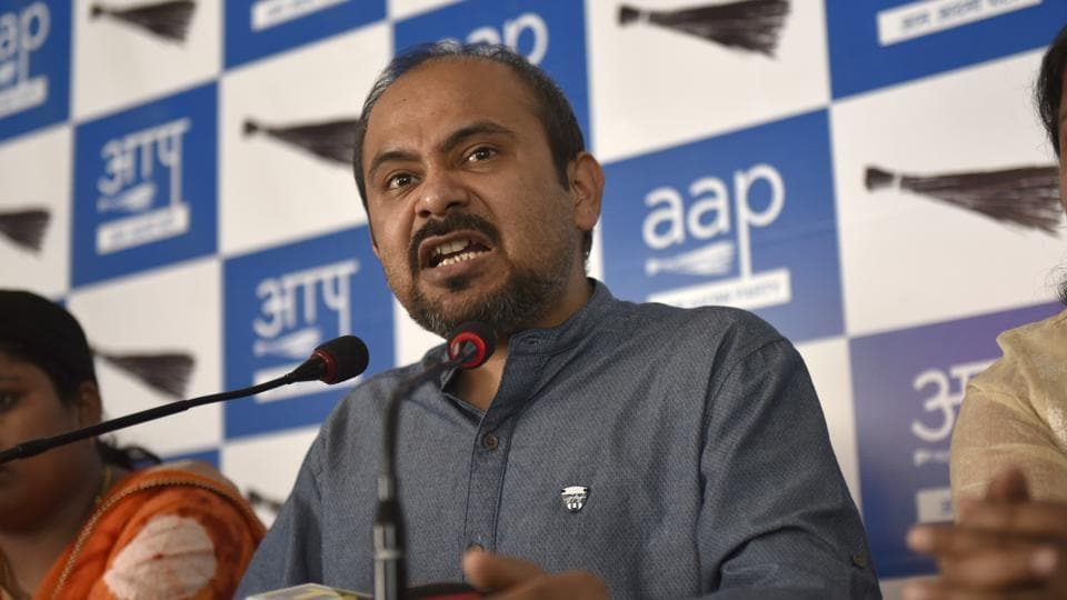 AAP Delhi convener Dilip Pandey at a press conference. The AAP has said that the BJP-ruled civic bodies should also ask the party-ruled Centre to help them.
