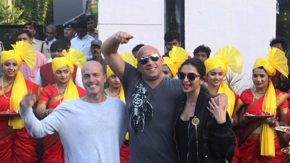 Director DJ Caruso, Vin Diesel and Deepika Padukone wave to crowd as they gear up for the release of xXx: The Return of Xander Cage. (Pramod Thakur/ HT Photo)