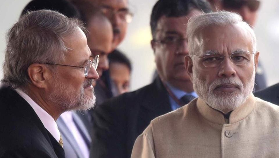 Prime Minister Narendra Modi with Lt. Governor of Delhi Najeeb Jung during the ceremonial reception of Kyrgyzstan President Almazbek Atambayev at the presidential palace in New Delhi on December 20, 2016.