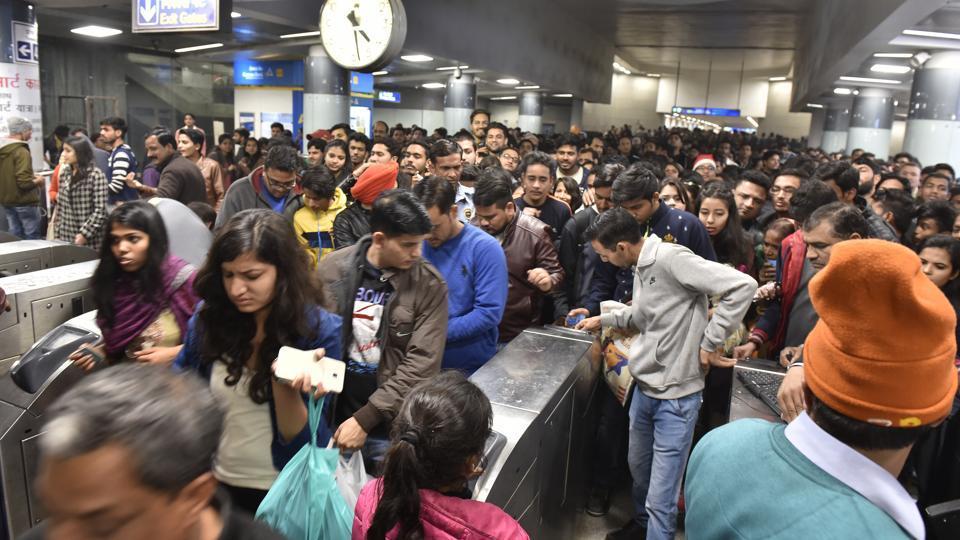 Delhi Metro,BLue line delay,metro delay
