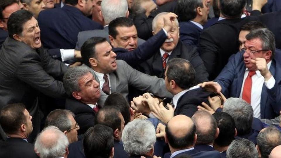 Tayyip Erdogan,AK Party,CHP