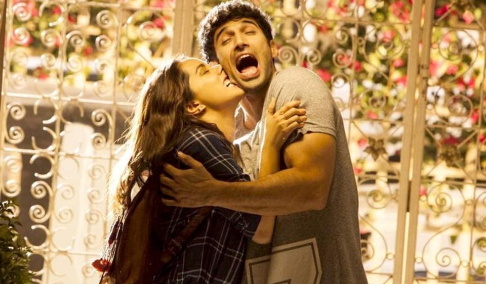 As with most millennial romances, OK Jaanu is light on plot and drama. Sadly, it offers little in their stead.