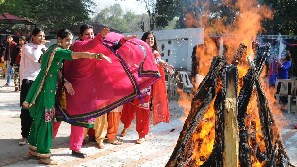 Girls during Lohri festival celebration at MCM College, Sector 36 in Chandigarh on Friday. (Anil Dayal/HT Photo)