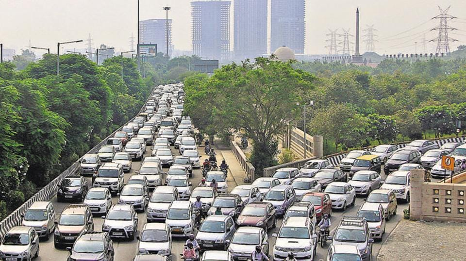 Due to lack of foot overbridges near around the expressway, pedestrians risk their lives by crossing the road amid heavy traffic.