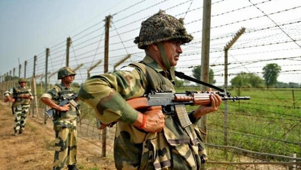 BSF troops onFriday night foiled an infiltration bid of terrorists along the International Border (IB) in Samba district of Jammu and Kashmir.