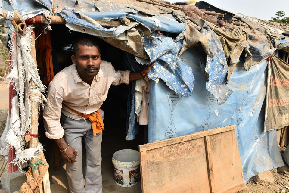 Tetar Mukhia, a daily wage labourer,  lives in a shanty in Sector 11, Kharghar, Navi Mumbai. As once-bustling construction sites halt or slow the pace of their work, he is finding it harder and harder to earn a living and support himself. He's had work for only three days since he returned a month ago, from his  break to visit his wife and four children back home in Bihar. His return too was delayed, because demonetisation hit while he was there and the cash he had on him was suddenly illegal tender. (Bachchan Kumar / HTPhoto; Text By Dipanjan Sinha)