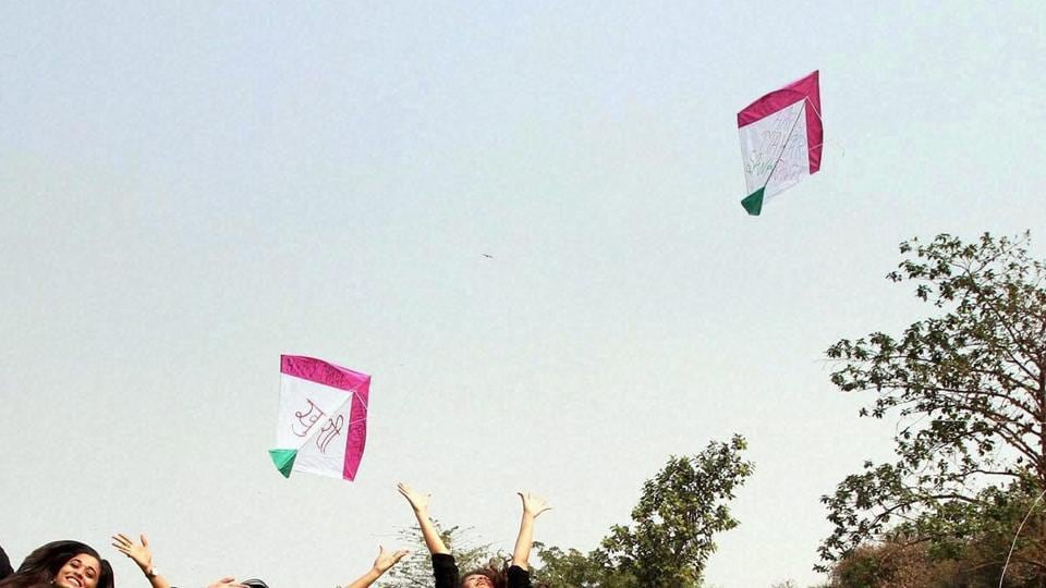 Sankranti,Kite-string slits throat,Ahmedabad