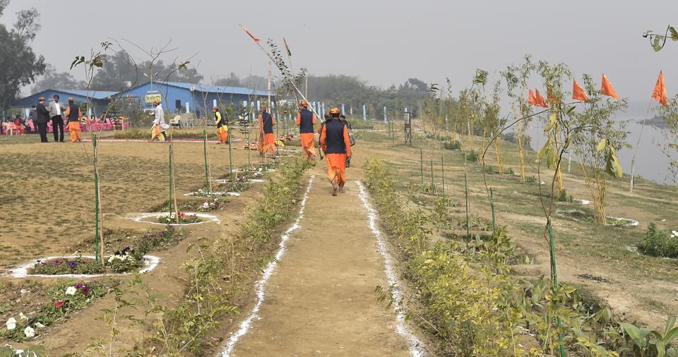 The garden is part of the larger project to beautify the Yamuna riverfront. It has been developed on the theme of Indian astrology.
