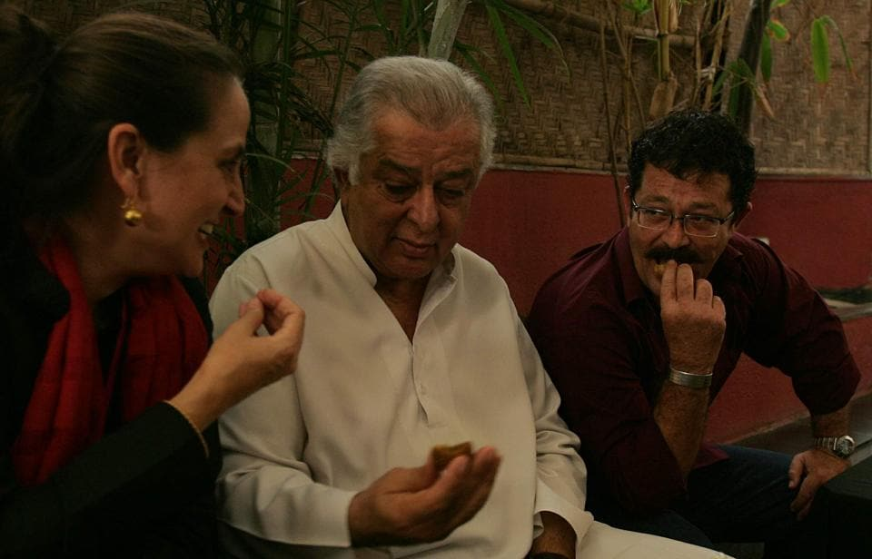 Sanjna Kapoor,Kunal Kapoor,Prithviraj Kapoor
