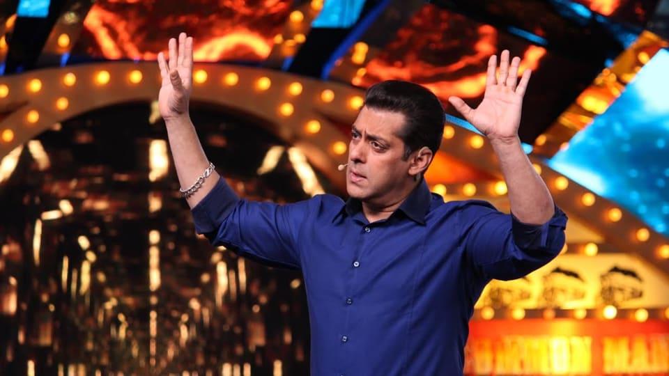 Salman Khan gets angry on Bigg Boss 10.
