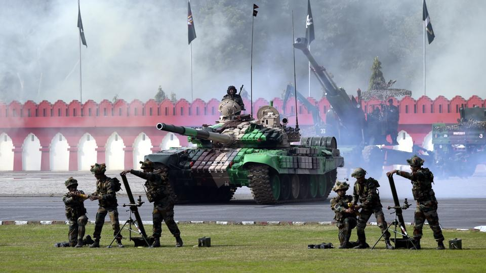 Exhibition of BLT T-72, T-90 tanks, Brahmos Missile, carrier Mortar Tracked Vehicle, 155 MM Soltum Gun, Advanced Light Helicopters of the Army Aviation Corps during the parade . (Arvind Yadav/HT PHOTO)