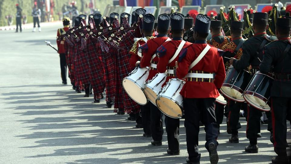 Army bands participate in the 'Army Day parade' at Delhi Cantt in New Delhi on Sunday.  (Arvind Yadav/HT PHOTO)
