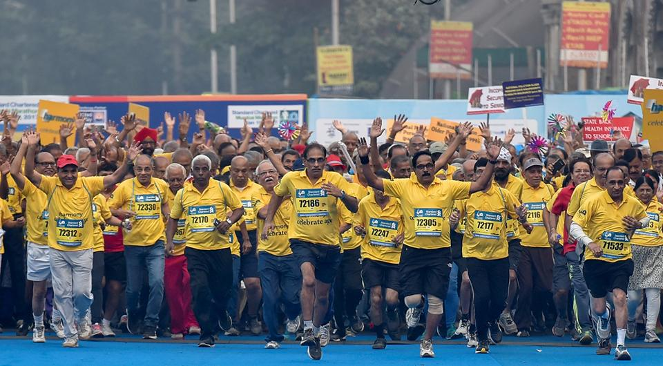 Senior Citizens participate in the Dream Run which was the part of Mumbai Marathon 2017. (kunal patil/ht photo)
