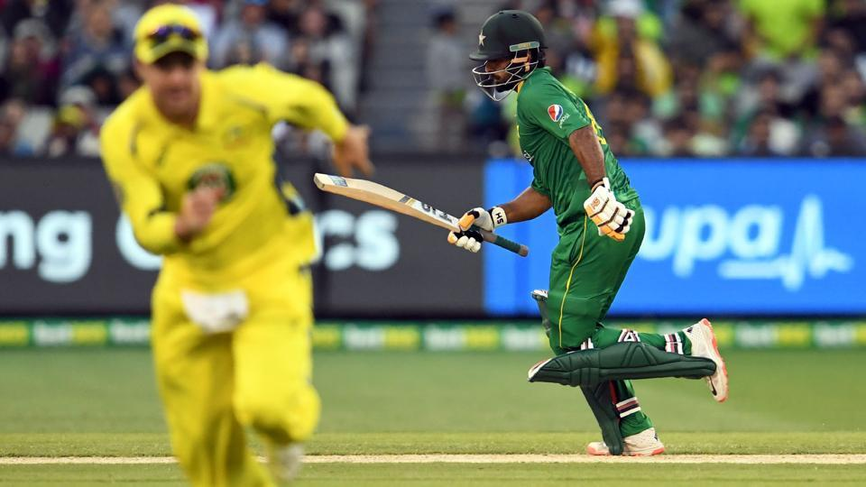 Pakistan cricket team's stand-in skipper Mohammad Hafeez (R) scored 72 runs as the visitors chased Australia cricket team's total of 220 in 47.4 overs.
