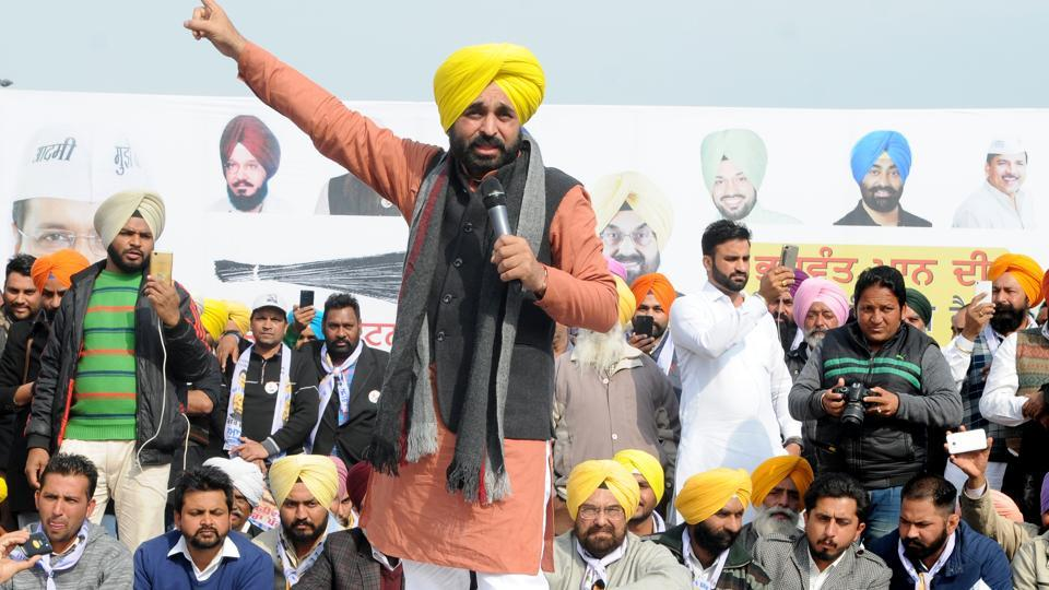 Sangrur MP Bhagwant Mann addressing a rally at Mullanpur in SAS Nagar on Saturday.