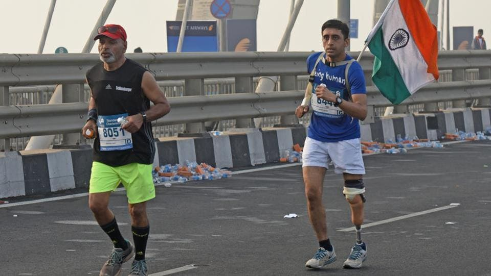 A handicap participant run during the 2017 Mumbai Marathon at Bandra-worli Sealink in Mumbai (Pratik Chorge/HT PHOTO)