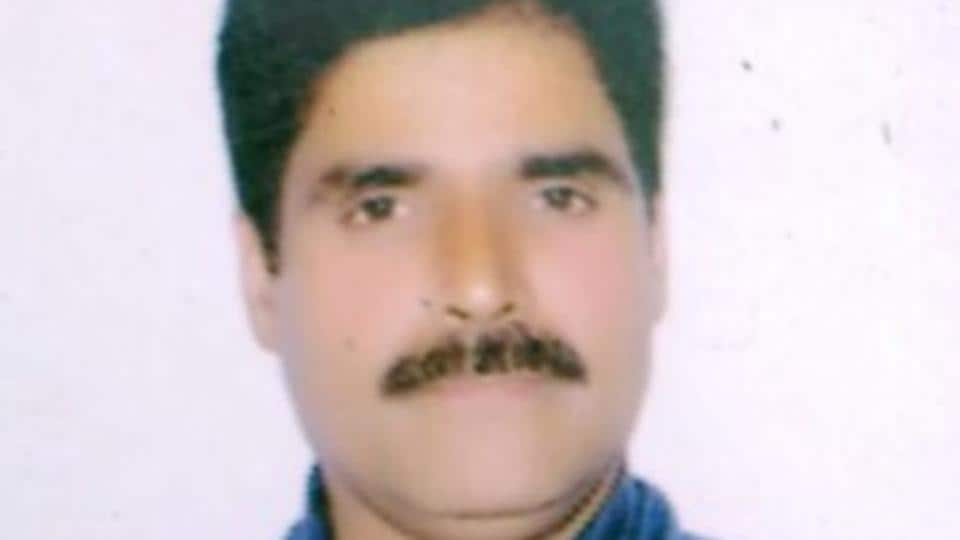 The victim, Harvinder Kumar, was identified as a resident of Jammu from the identity cards in his wallet.