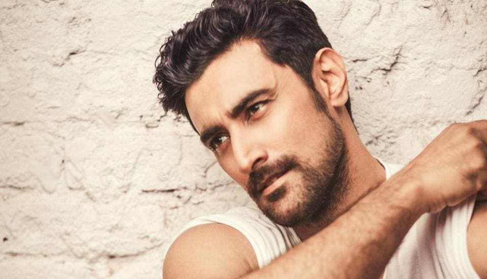 Kunal Kapoor will be seen in Tigmanshu Dhulia's next titled Raag Desh.