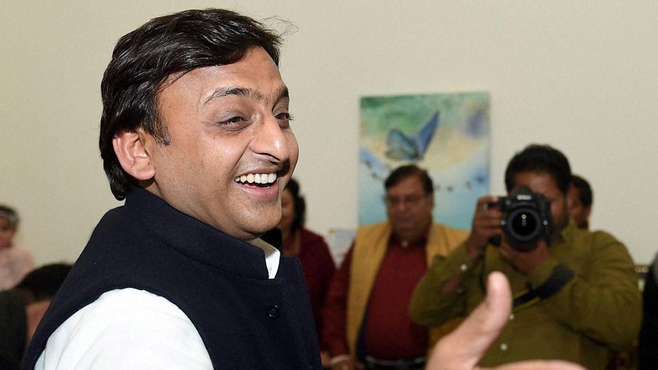 UP elections,Akhilesh gets cycle,Samajwadi Party
