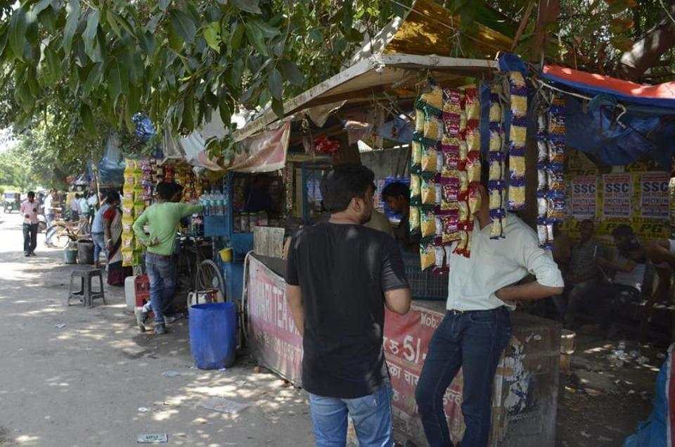IIT-Delhi,students,street vendors