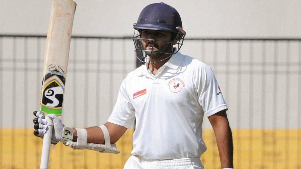 Parthiv Patel scored a crucial 143 in Gujarat's  Ranji Trophy final win against Mumbai .