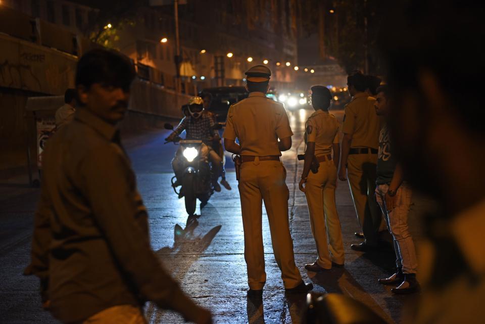 Kherwadi police,Bandra,nakabandi