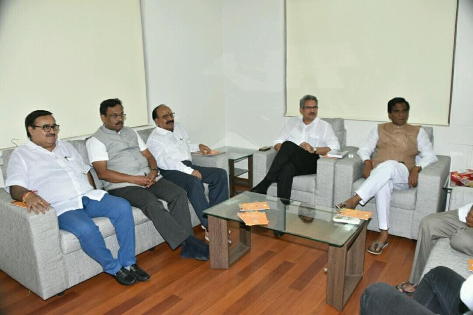 BJP and Shiv sena leaders during the first round of talks held on Monday to form an alliance for the upcoming BMC polls