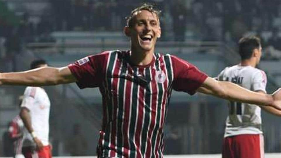 Darryl Duffy and Jeje Lalpekhlua both scored twice as Mohun Bagan AC rout Minerva Punjab FC 4-0 to extend their I-League winning run.