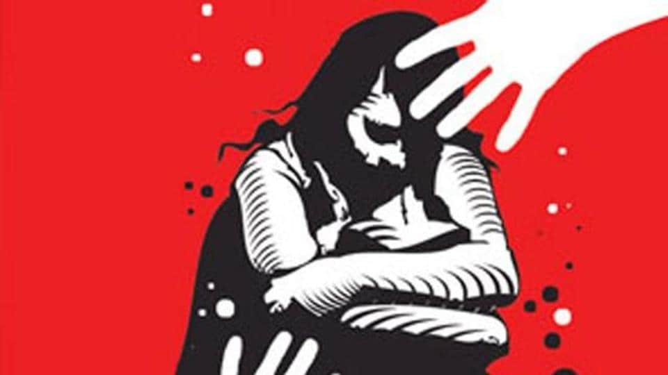 A minor school girl from Kalahandi, set afire by miscreants last week for resisting eve-teasing, succumbed to her injuries on Tuesday after a week-long battle for survival at a hospital in Rourkela