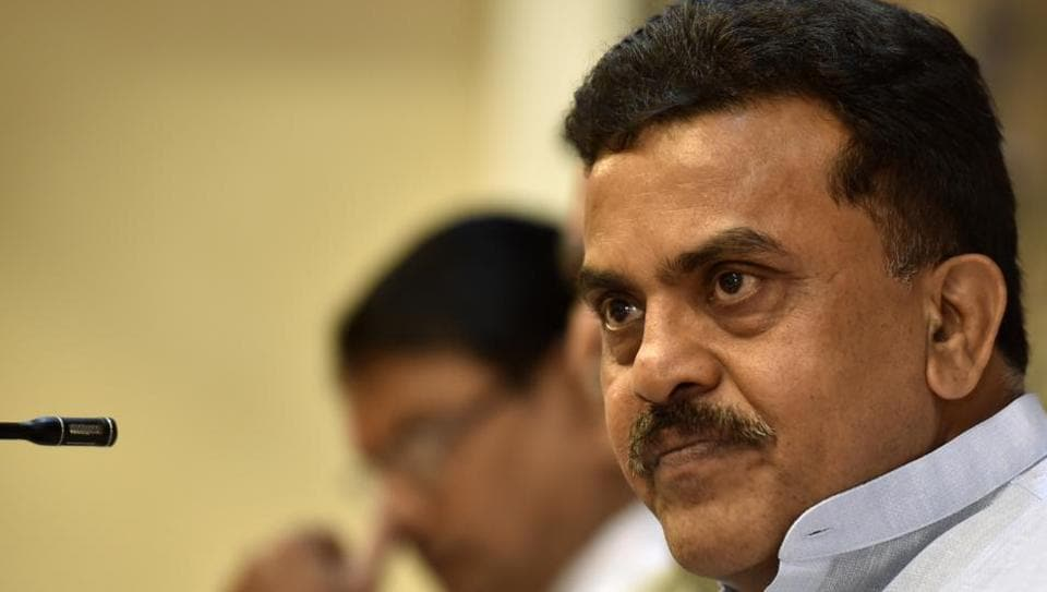 The party's Mumbai president, Sanjay Nirupam, said that the supply of water was possible if the water tanker mafia menace could be weeded out.