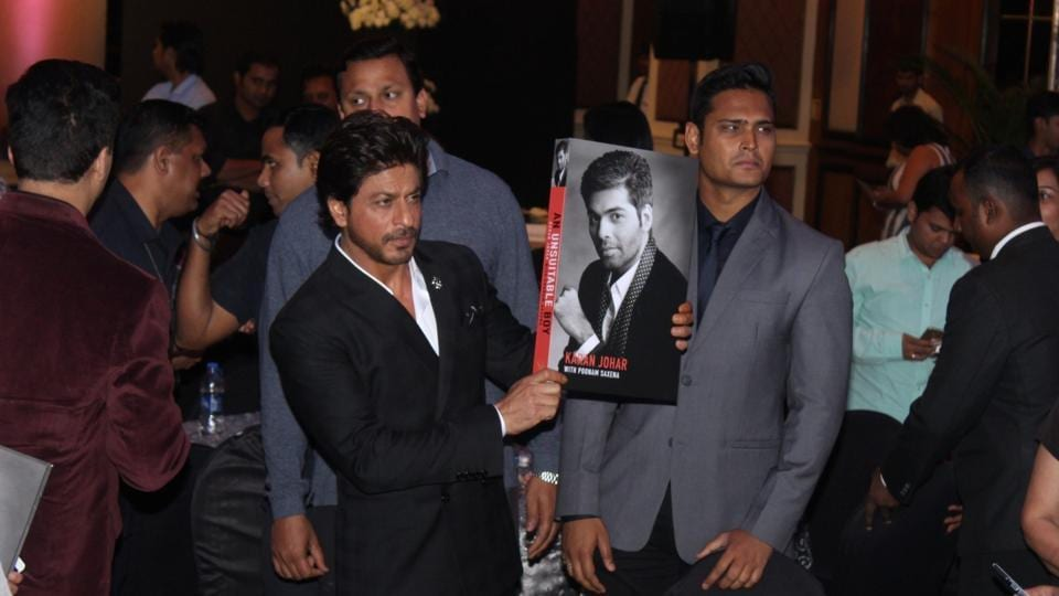 Shah Rukh Khan posed for the shutterbugs at the event. (IANS)