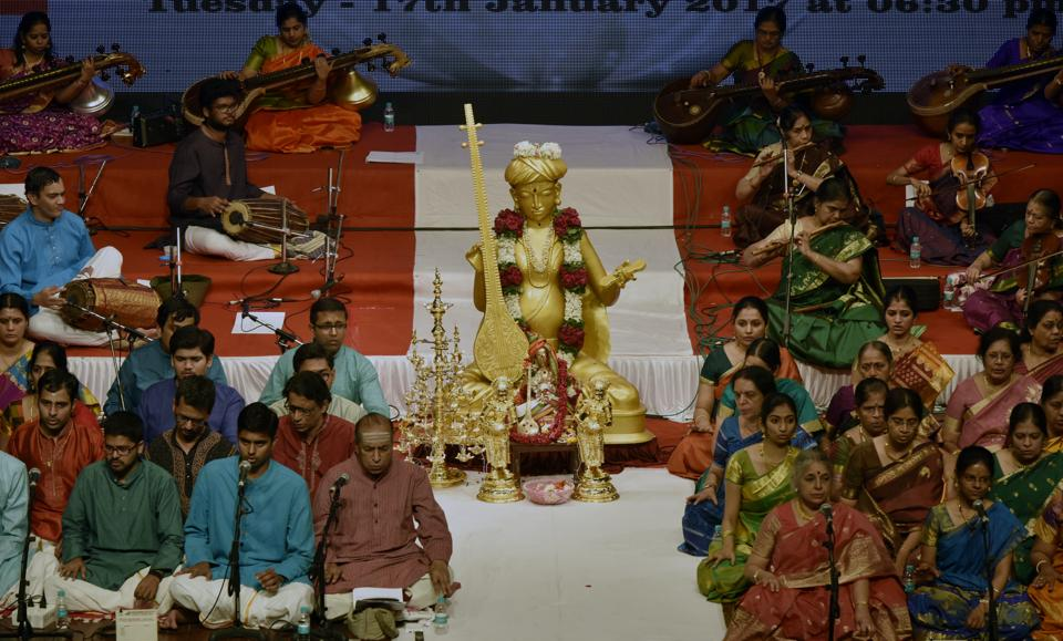 An idol of Saint Tyagaraja, which is made of copper and brass weighing 650 kg, was brought from Kumbakonam for the Bhajana Mahotsav in Mumbai. (Anshuman Poyrekar/HT PHOTO)
