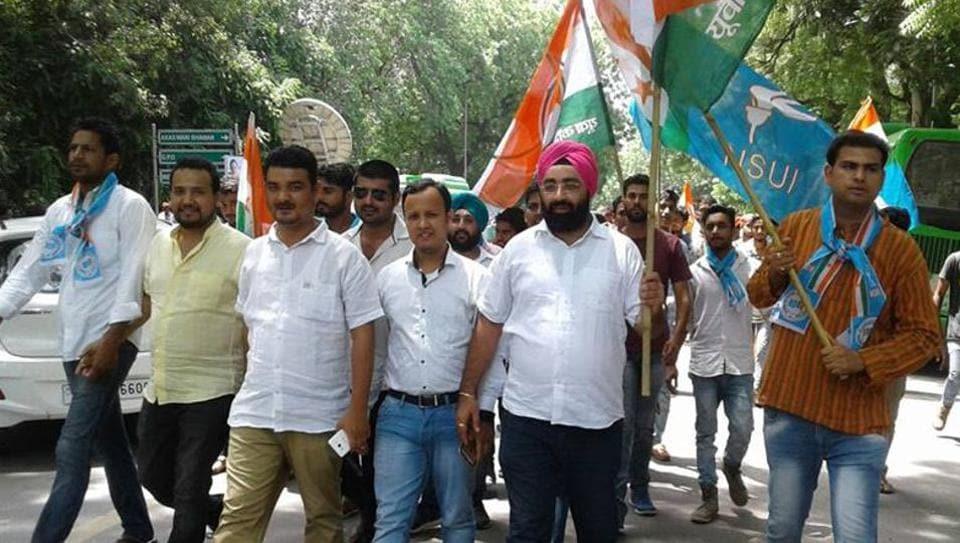 Uttarakhand,turncoat,Congress