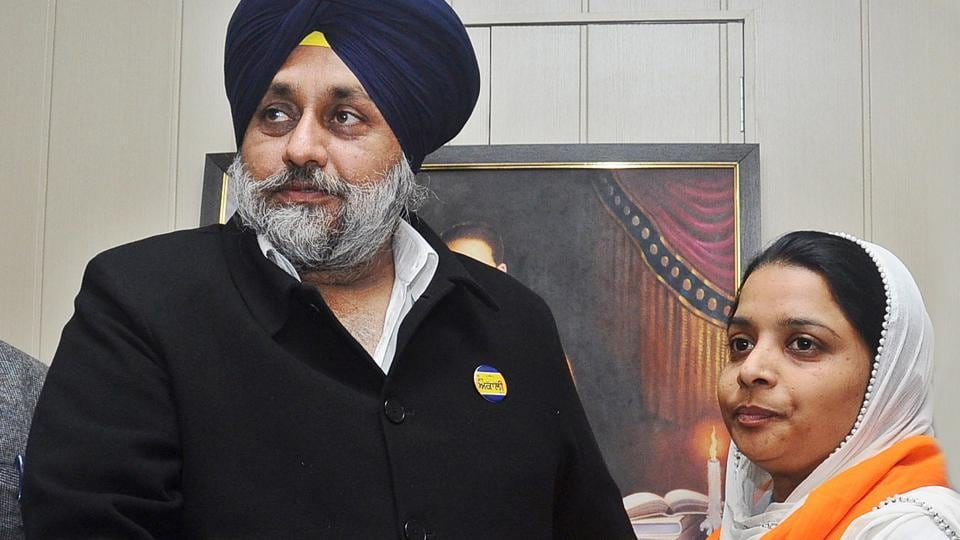 Former AAP leader Jyoti Mann being welcomed into SAD by Sukhbir Singh Badal.