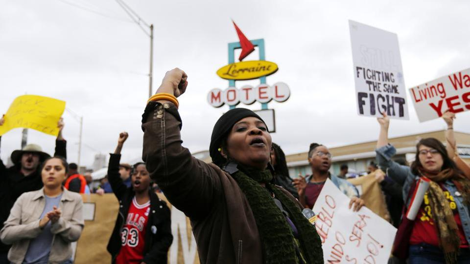 Cynthia Bailey chants outside the National Civil Rights Museum following the annual Martin Luther King Day march on January 16, 2017 in Memphis, Tennessee. Hundreds marched from the north end of downtown Memphis in honour of the civil rights leader to the site where King was assassinated in 1968, which now houses the National Civil Rights Museum. (Mike Brown/Getty Images/AFP )