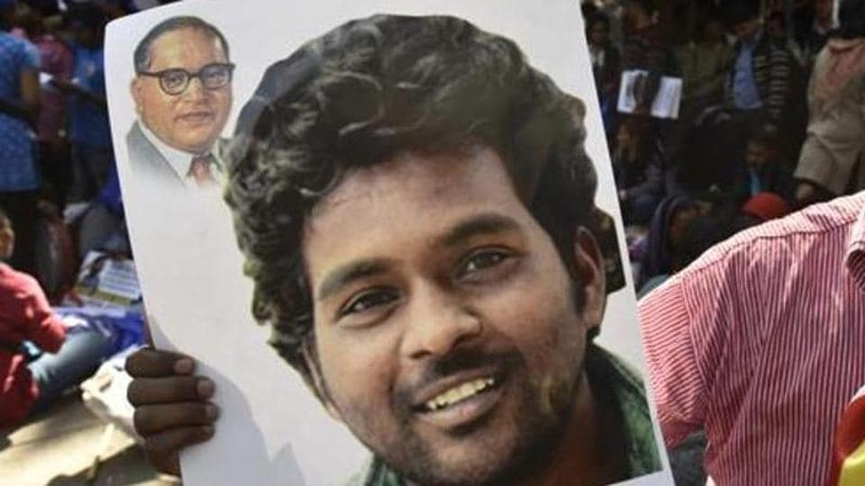Students demand justice  for Rohith Vemula who had committed  suicide after alleged discrimination on the basis of caste.