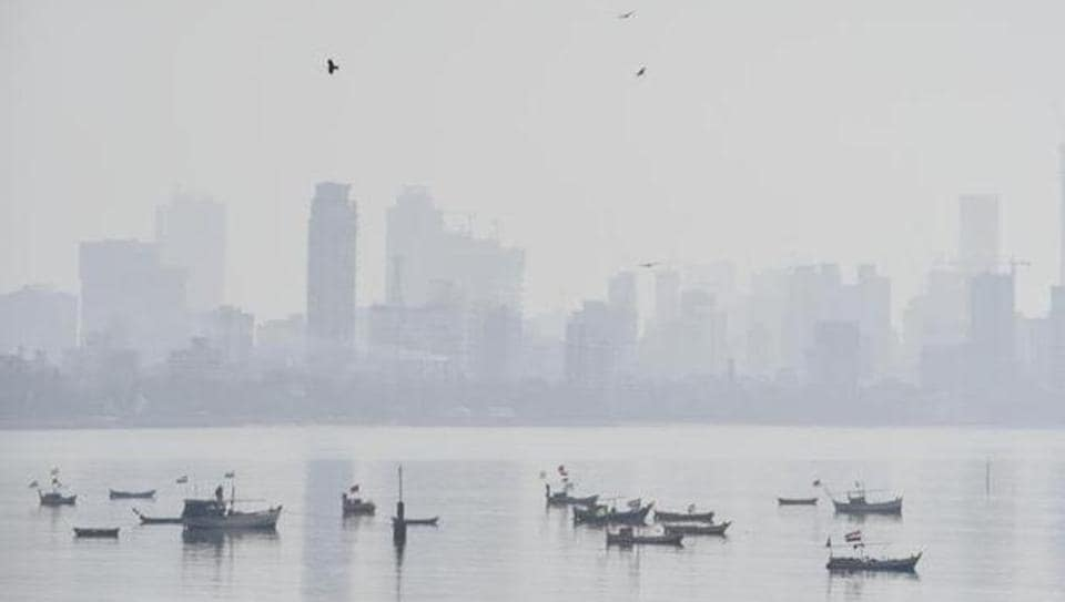 According to the weather department, night temperatures were almost a degree Celsius below normal with Santacruz recording 16.6 degrees Celsius while Colaba recorded 20 degrees Celsius.
