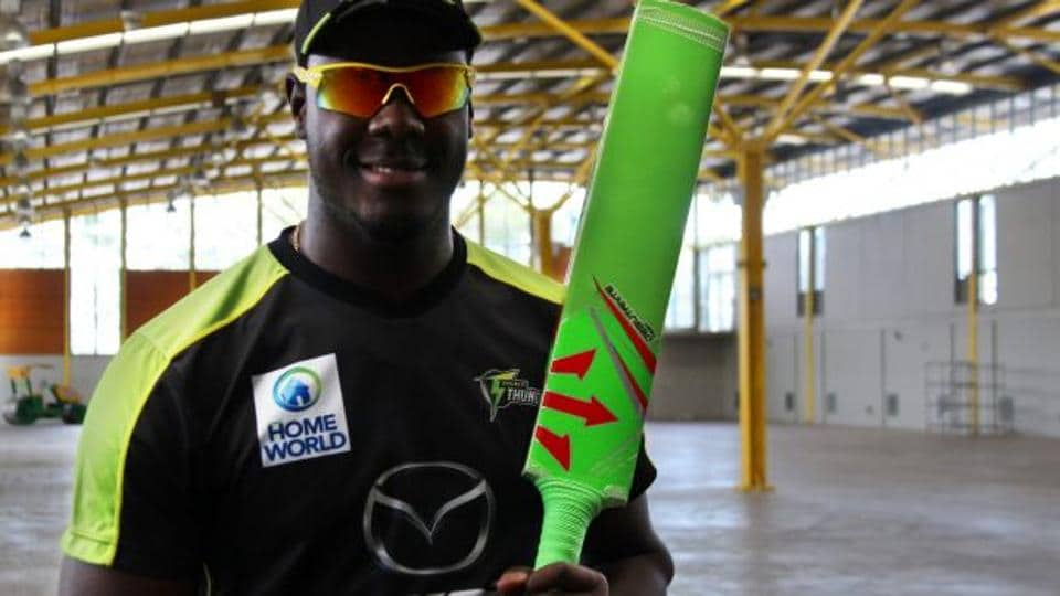 Carlos Brathwaite will play with the Green bat in Sydney Thunder's clash against Adelaide Strikers in the Big Bash League. (Pic courtesy: Sydney Morning Herald)
