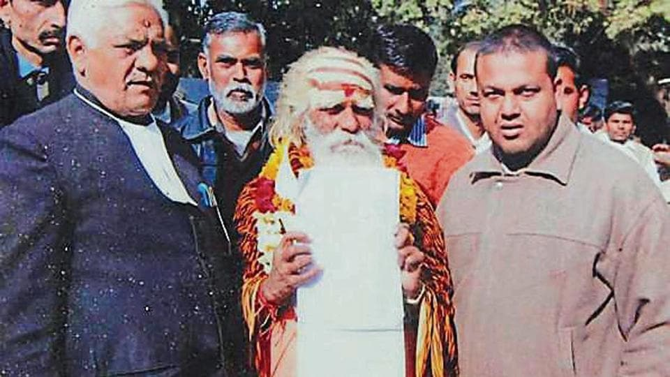Fakkad baba,UP elections,Agra sadhu in UP polls