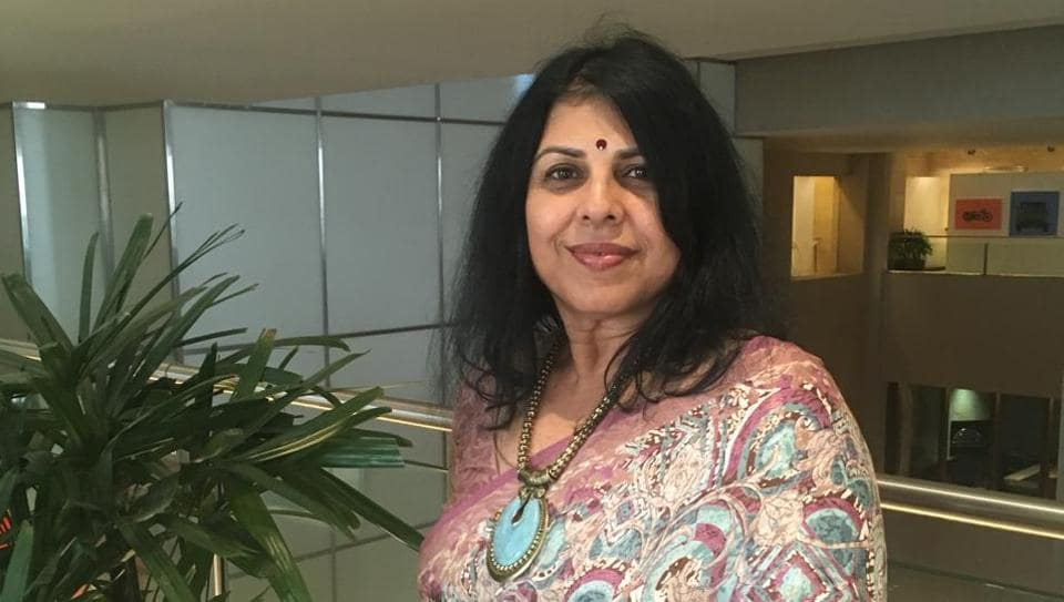 Chitra Banerjee Divakaruni says that she wants women to be the center of her novels, and let the men revolve around them.