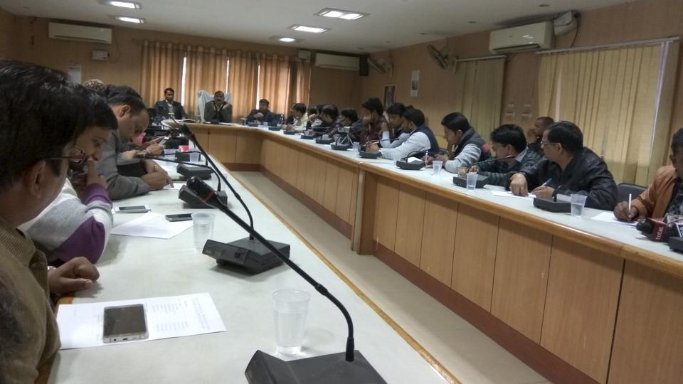 The district magistrate of Gautam Budh Nagar held a press conference and informed about the Election Commission's guidelines about voter ID.