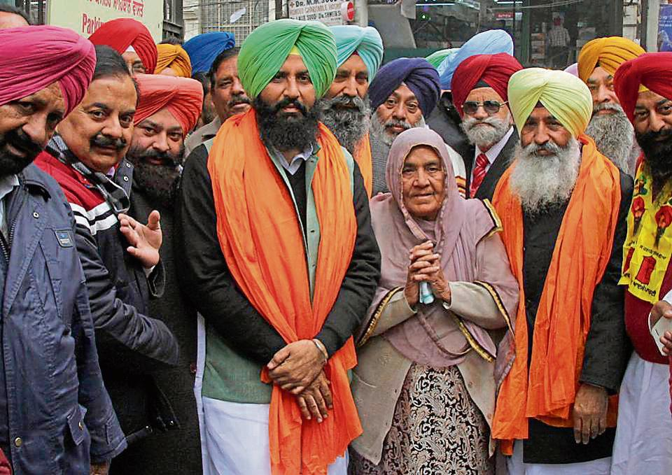 Lok Insaaf Party candidates Simarjeet Singh Bains and Balwinder Singh Bains came to file their nominations with their mother on Wednesday.