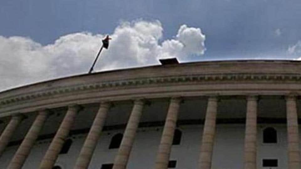मोदी सरकार सख्त: ड्यूटी में लापरवाही पर सीनियर IAS अधिकारी बर्खास्त