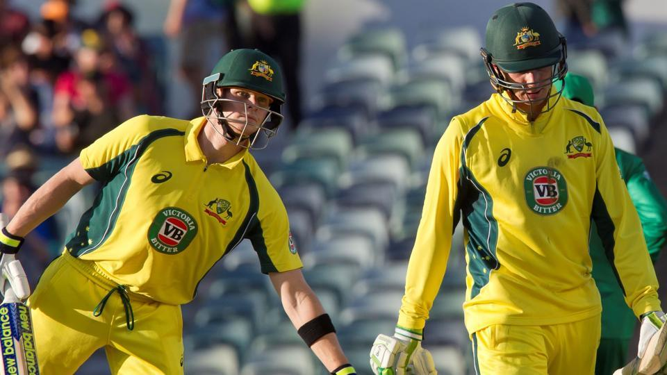 Steve Smith smashed an unbeaten 108 and debutant Peter Handscomb scored a brilliant half-century to secure a seven-wicket victory for Australia against Pakistan in Perth.