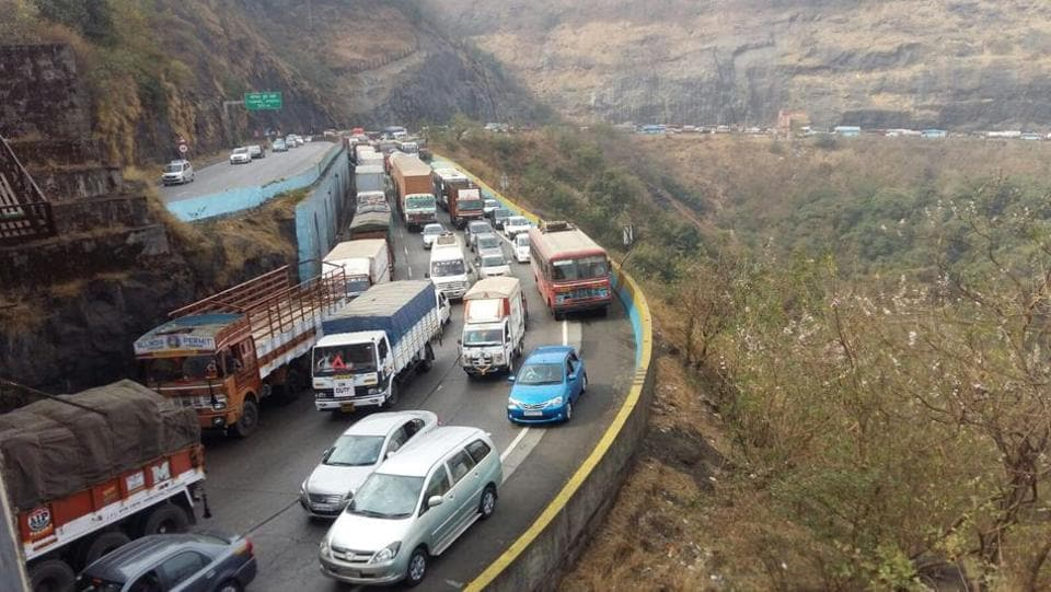 The accident took place on the expressway, near Rasayani, around 20km from Panvel city, around 6.30am.