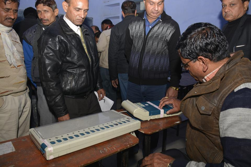 The SEC stated that stringent action will be initiated against officers for pressurising their juniors to perform election duty apart from doing their regular work.