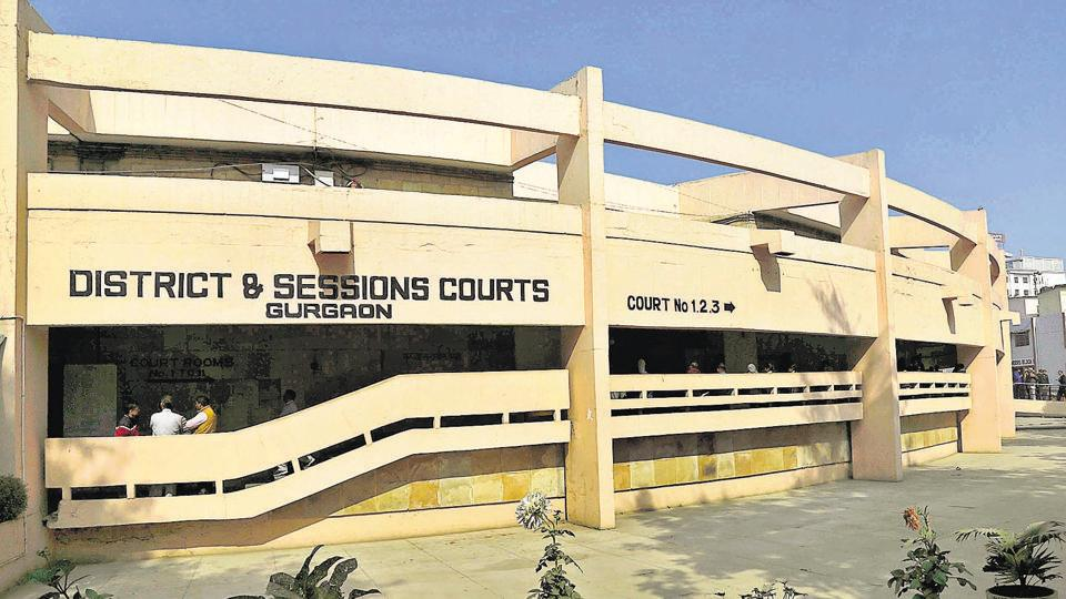 The district and sessions court of Gurgaon near Rajiv Chowk.